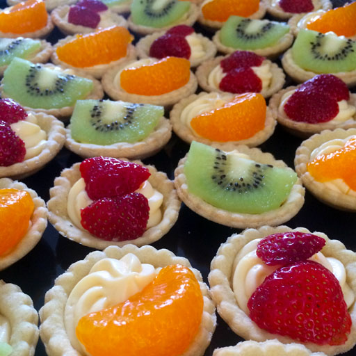 fruit,tartlets,chesterfield,caterer